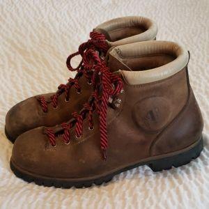 Vintage Vasque Vibram Leather Boots/ Also 9.5 Mens